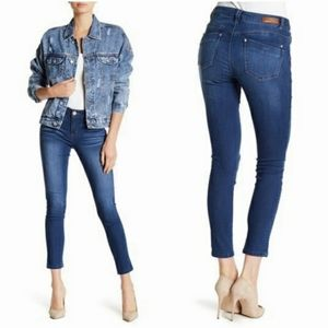 Democracy Ankle Crop Jeans